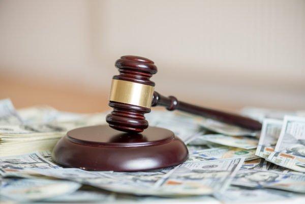 Cómo puedo pagar los honorarios de un abogado especialista en trafico