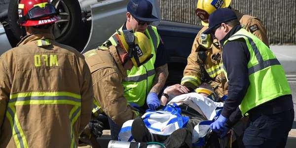 Quienes tienen derecho a ser indemnizados por lesiones en un accidente de trafico